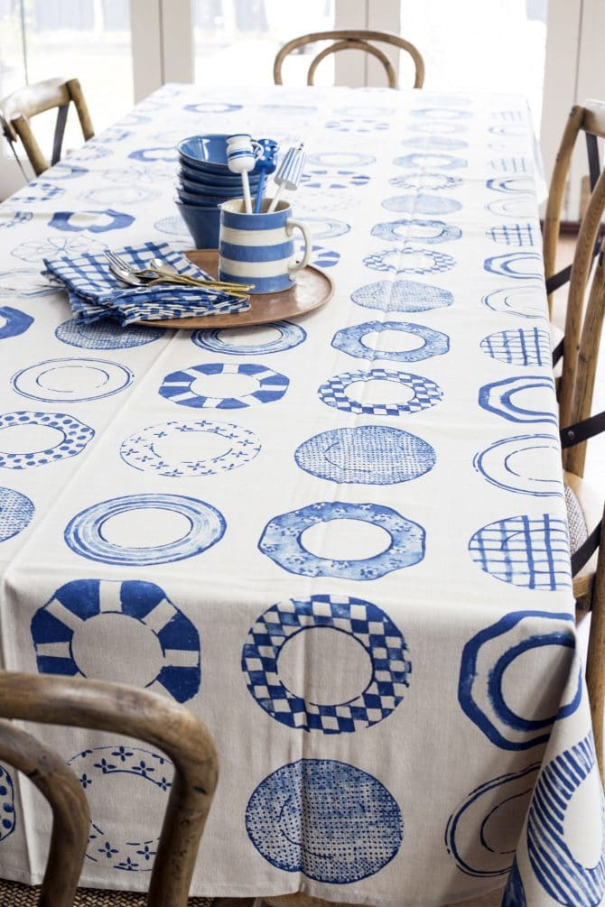 blue china table setting