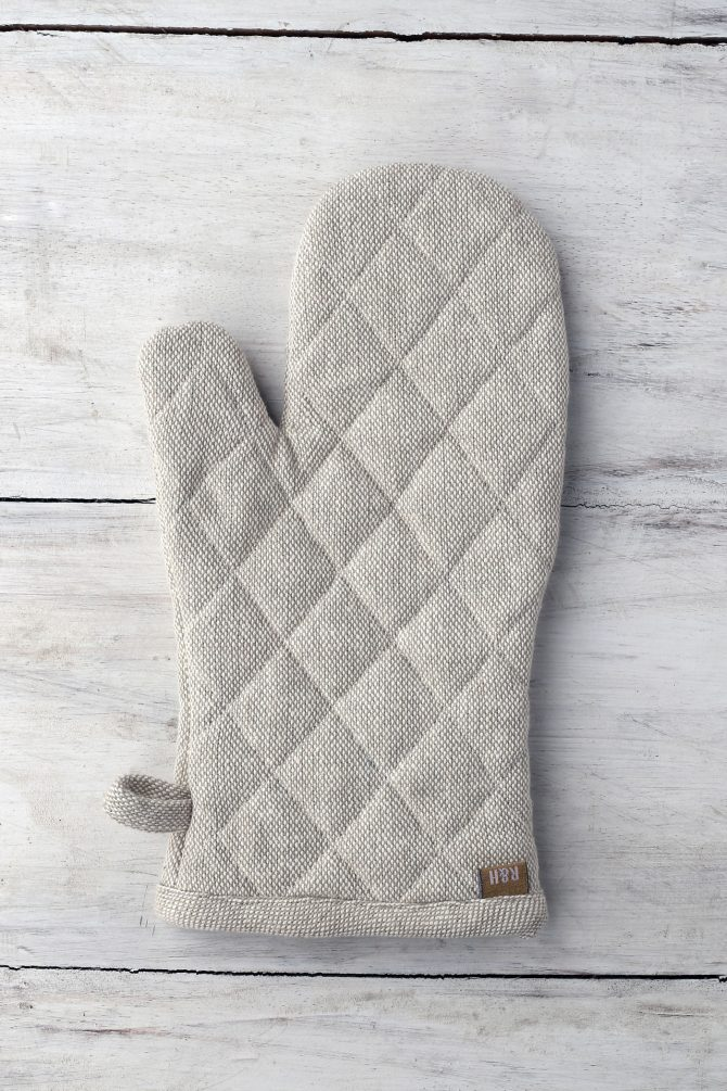 oven glove taupe
