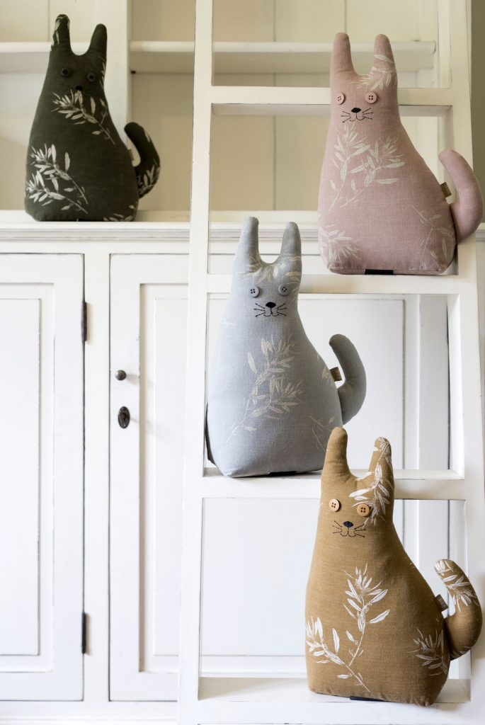 farm cat door stop