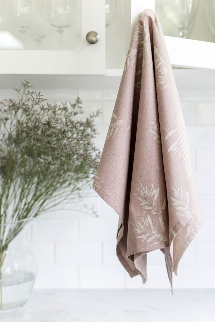 pink tea towel pack